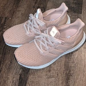 Mauve/Rose Adidas Boosts - like new! Y6.5